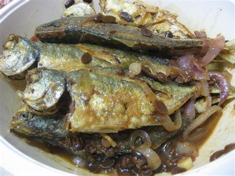 Ingin membuat pempek ikan tenggiri tapi bingung dengan berbagai resep yang harus diikuti? RESEPI NANNIE: IKAN SELAR MASAK TAUCO