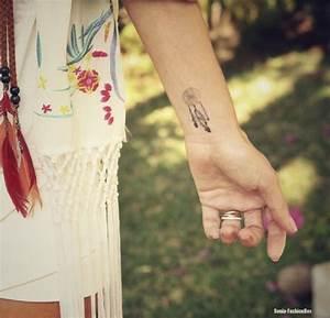 Tatouage Capteur De Rêve : tattoo attrape reves poignet femme tatouage dream catcher tattoos et tattoo designs ~ Melissatoandfro.com Idées de Décoration