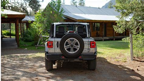 display  rear    jeep wrangler sahara