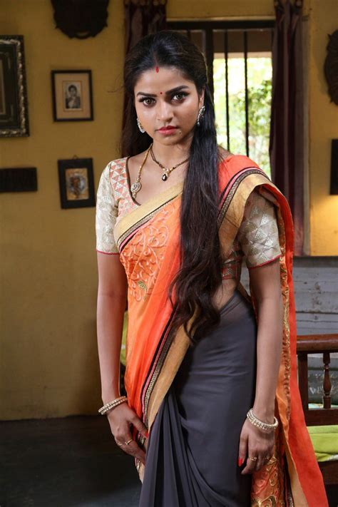 Serial Actress Nithya Ram Hd Image And Photos Indian Cinema