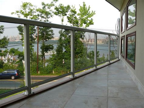 Choosing The Nice Balcony Design