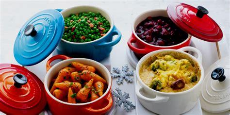 cuisiner avec une cocotte cuisiner avec cocotte en fonte table de cuisine