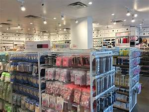 10 yuan variety store MINISO opens in Vancouver • urbanYVR