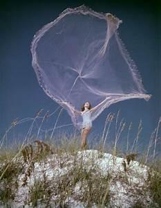 Florida Memory - Unidentified woman throwing a fishing net ...