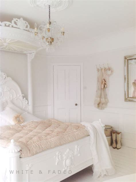 Country Chic Bedroom by 17 Best Ideas About Country Bedrooms 2017 On