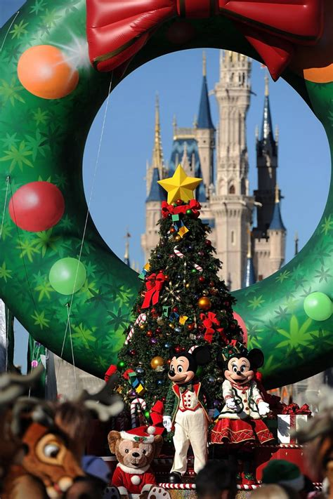 gifts for disney fans disney gifts for adults 10 gift ideas theme park fans