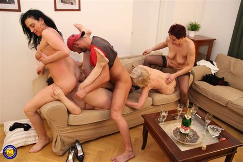 Taboo Sex Party With 4 Mature Moms And 1 Son Free Porn 9e
