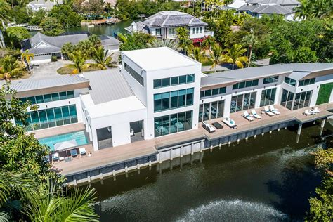 Houseboats For Sale Naples Florida by Floating Home In Naples Seeks 10m Curbed Miami