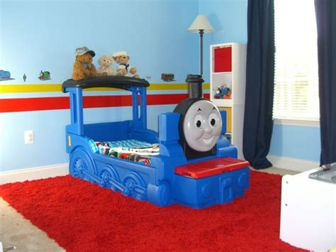 25+ Best Ideas About Thomas The Tank Bed On Pinterest