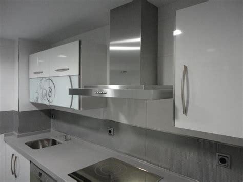 cocina blanca  gris martos cocinas jaen