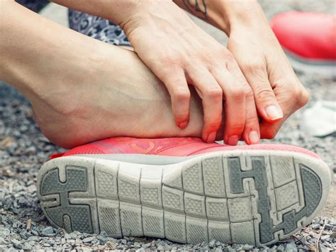 Lateral Foot Pain Symptoms Causes And Treatment