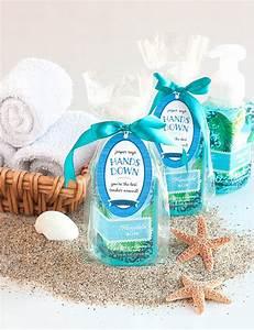 Easy DIY Hand Soap Gift Idea for Teachers #thankateacher #