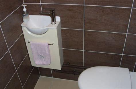 un petit meuble lave mains pour de petit wc lave