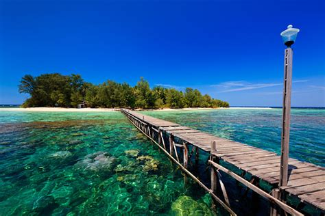 island hopping  karimunjawa travel photographer