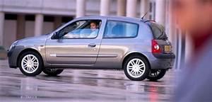Clio 2 2004 : renault clio ii 1 4 98 km 2004 hatchback 3dr skrzynia automat nap d przedni ~ Medecine-chirurgie-esthetiques.com Avis de Voitures