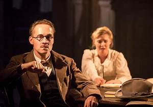 Travesties Apollo Theatre London, starring Tom Hollander