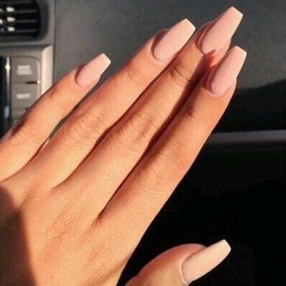 lip matte nails