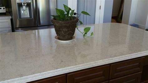 Marble look in Quartz..Lusso Silestone   Lusso Quartz