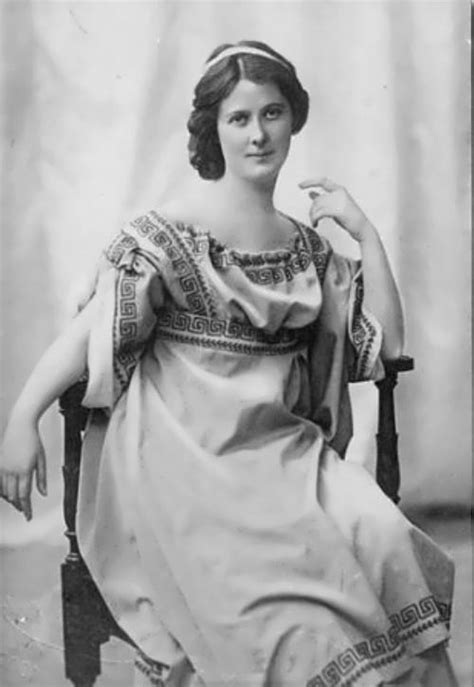 World of faces Isadora Duncan - American icon of dance ...