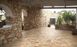 fliesen fur den aussenbereich bei hornbach With balkon teppich mit stein tapete wohnzimmer grau
