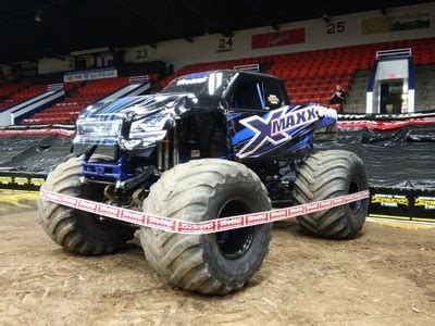 traxxas monster truck  wheels water engines
