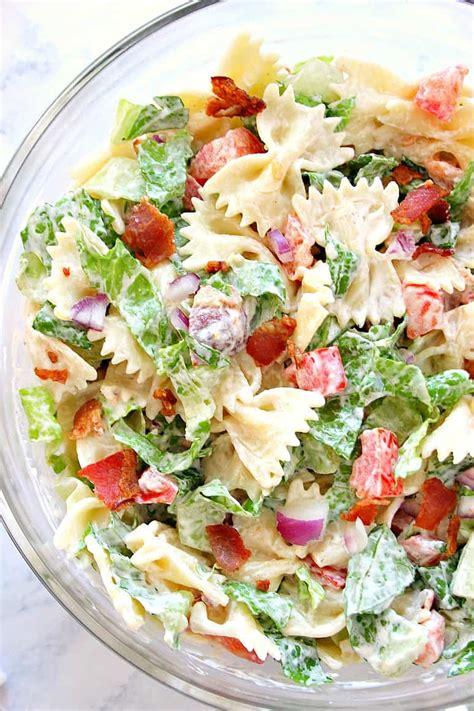 I love having easy recipes to make at any time! BLT Pasta Salad Recipe - Crunchy Creamy Sweet