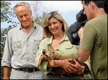 Backyard explorers - Wildlife expert Jack Hanna and crew ...
