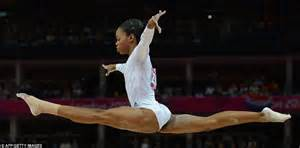 Aly Raisman wins gold in floor exercise as Gabby Douglas ...