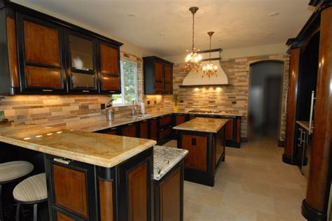 Custom Backsplashes For Kitchens : Custom Kitchen Backsplash