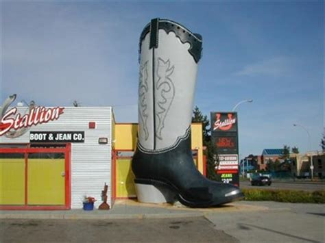 Boat Supply Stores Edmonton by Big Boot In Edmonton Ginormous Everyday Objects On