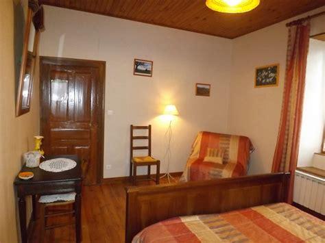 chambre d hotes dans le cantal chambre d 39 hôtes 9053 à le plain chambre d