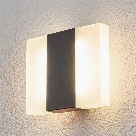 b 246 rje led outdoor wall light in a square shape lights