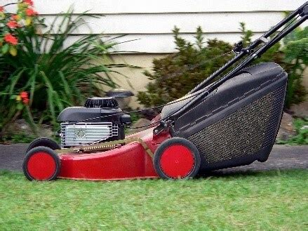 7 Tips For Storing A Lawn Mower For The Winter Ezstorage