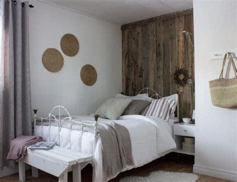 Budget refresh: modern rustic guest bedroom & home office