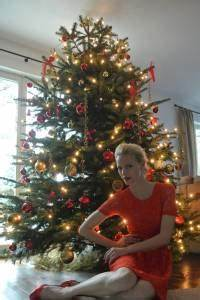 Weihnachtsbaum Komplett Geschmückt : so schm cken berliner promis ihre tanne b z berlin ~ Markanthonyermac.com Haus und Dekorationen