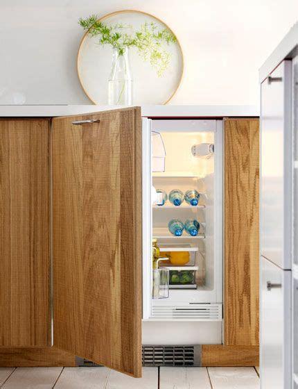 Küche Hyttan by Frostig Sc136 Integrated Fridge With The Door Open Hyttan