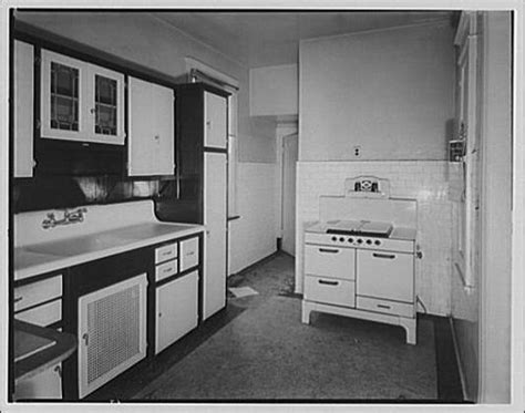 antique kitchen sinks 17 best images about vintage kitchens on stove 1283