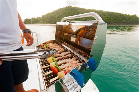 Boat Grill Holder by Barbecuing On Your Boat Quimby S Cruising Guide