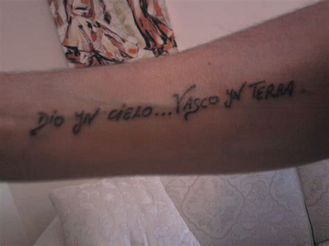 Tatuaggio Vasco by Tatuaggi Canzoni Vasco Senza Parole Tatuaggio