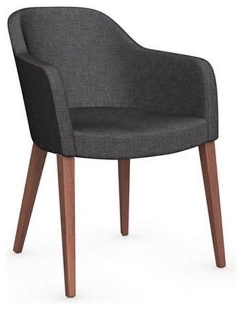 fauteuil avec accoudoirs salle a manger chaise gossip avec accoudoirs de calligaris pi 233 tement noyer assise tissu gris contemporain