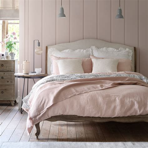 Decorating Ideas For A Peaceful Bedroom by Pink Bedroom Ideas That Can Be Pretty And Peaceful Or