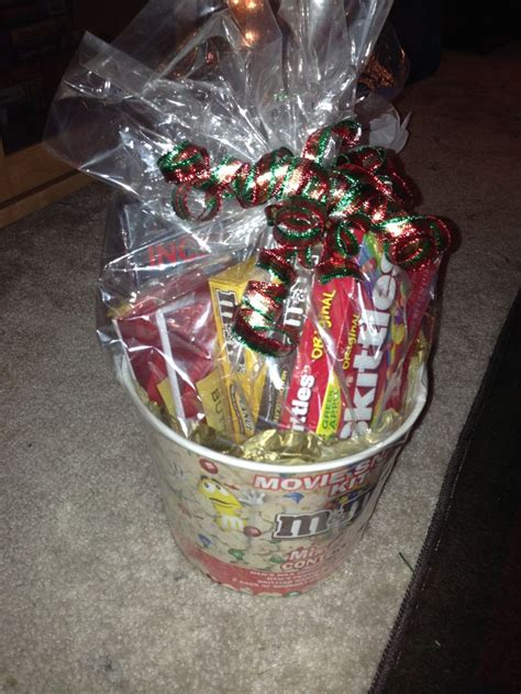 couple date gifts 1000 images about date and couples gift baskets on gifts
