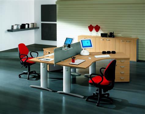 bureau 騁ude g駮technique twee bureaus kantoorinrichting tips