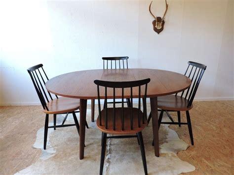 chaises suedoises 1000 idées sur le thème chaise danoise sur