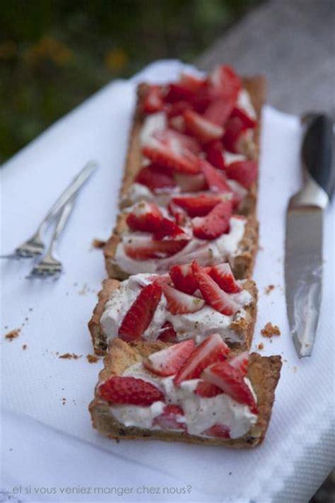tarte fraise pate brisee tarte aux fraises sur une p 226 te bris 233 e aux 233 clats de f 232 ves de cacao grill 233 es paperblog