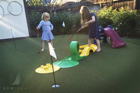 Putting Green Fun For The Family Without Leaving Home