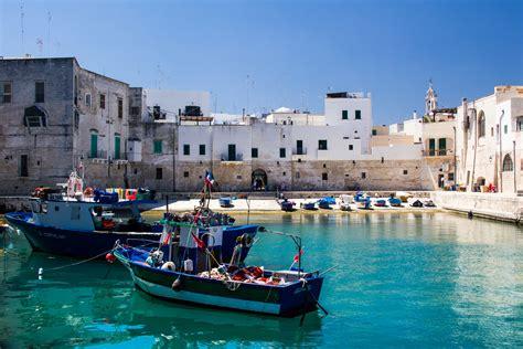 Porto Di Monopoli file il porto antico di monopoli jpg wikimedia commons