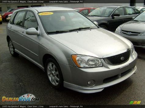 2005 Kia Spectra 5 Wagon Clear Silver / Gray Photo #7