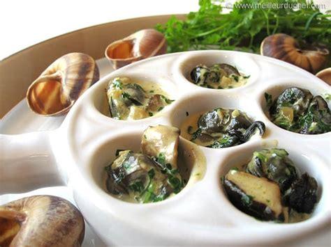 cuisine escargots escargots en cassolette aux 3 chignons recette de