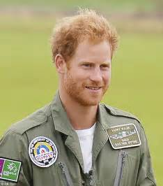 Prince Harry's facial hair sends Twitter ablaze during ...